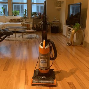 Bissell Vaccum Cleaner With All Attachments for Sale in Houston, TX