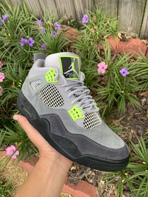 "Jordan 4 retro se ""neon 95"" for Sale in Friendswood, TX"