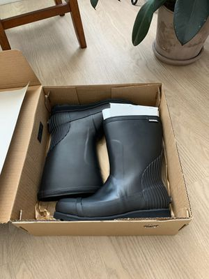 Brand new Sorel rain boots size 7 for Sale in Los Angeles, CA