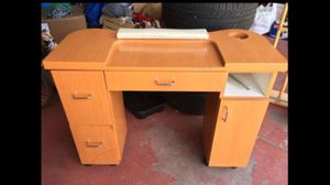 Manicure table/ makeup vanity for Sale in Chandler, AZ