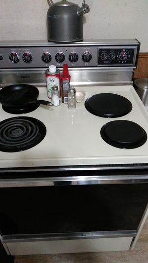 Montgomery Ward electric stove for Sale in Fort Wayne, IN