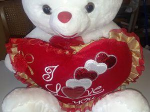 Brand new giant teddy bear for $35.00 for Sale in Jonesboro, GA