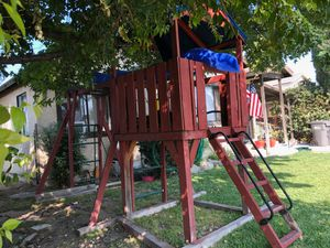 Redwood play structure pickup in BALDWIN PARK for Sale in Phillips Ranch, CA