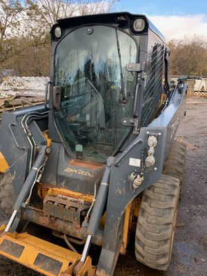 2014 John Deere 318E Skid Steer for Sale in Staten Island, NY
