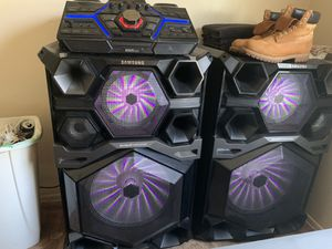 4000 watt giga Samsung stereo for Sale in Havelock, NC