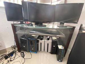 6 desktop computer, clean and perfect condition for Sale in Pembroke Park, FL