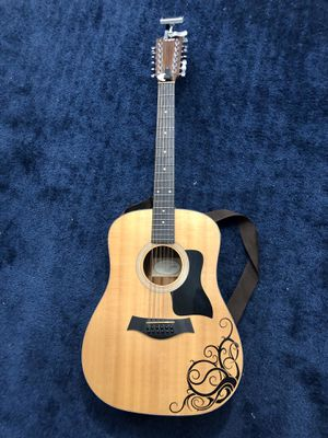 12-string Taylor guitar model 150e for Sale in Schaumburg, IL