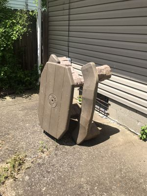 Step 2 kids picnic table n umbrella 30.00 for Sale in Columbus, OH