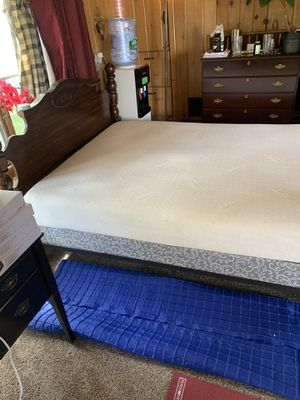 Wooden queen bed with tempurpedic memory foam mattress for Sale in Toms River, NJ