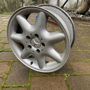 """Mercedes Benz 16"""" OEM Wheels for Sale in Des Moines, WA"""