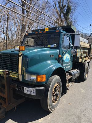 International dt 466 dump truck for Sale in Alexandria, VA