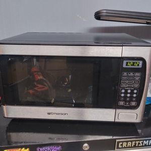 Emerson Stainless Microwave for Sale in Jacksonville, FL