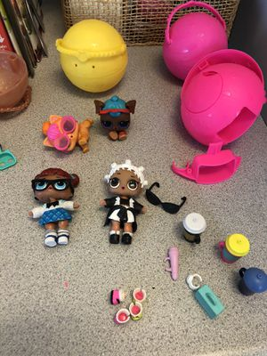 LOL Dolls and Pets 2 each plus few accessories for Sale in Suisun City, CA
