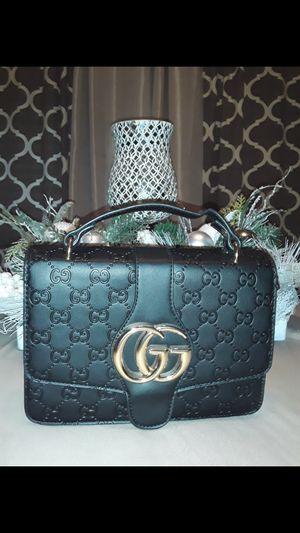 Crossbody purse for Sale in Bakersfield, CA