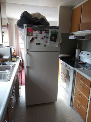 Hotpoint refrigerator for Sale in Tacoma, WA
