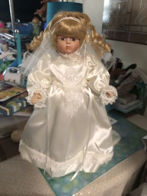 Bride doll for Sale in Middlebury, CT