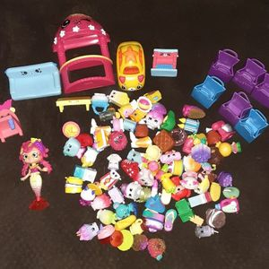 Shopkins Lot With Shopkins Bag for Sale in Pomona, CA
