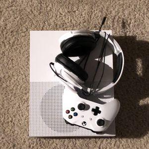 Xbox One Slim (rarely used) for Sale in Murfreesboro, TN