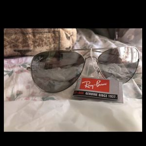 Rayban sunglasses polarize . Retail $150 for Sale in Monterey Park, CA