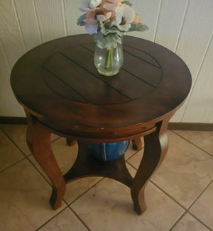 2 end tables and coffee table for Sale in Tempe, AZ