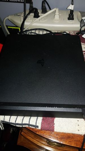 Ps4 comes with kingdom hearts 3 god of war devil may cry and south park for Sale in Eldersville, PA