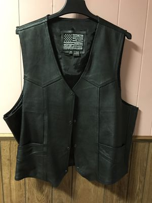 Leather motorcycle vest for Sale in Blue Springs, MS