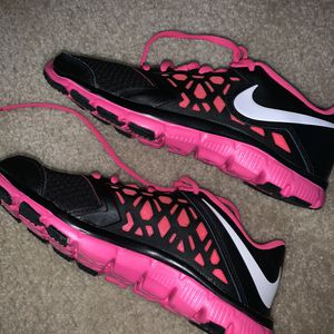 black and pink nike running shoes for Sale in Herndon, VA