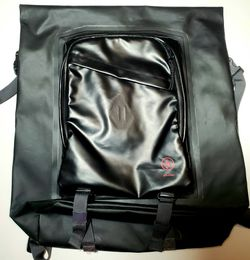 VOLCOM MOD TECH DRY BACKPACK, BLACK for Sale in Brooklyn,  NY