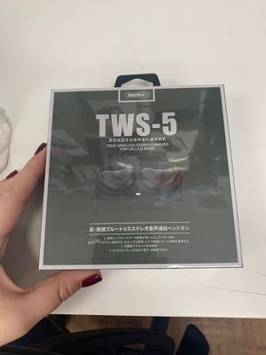 TWS-5 Bluetooth earbuds for Sale in Miami, FL