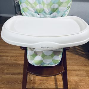 Solid And Great Condition Wooden High Chair ( PET/SMOKE FREE) for Sale in San Ramon, CA