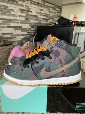 Nike Sb dunk hi camo 510 skate shoe size 9.5 for Sale in Los Angeles, CA