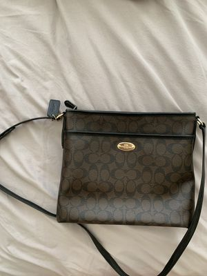 Coach purse and wallet for Sale in Wenatchee, WA