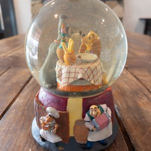 Disney Classics Lady and the Tramp Snow Globe for Sale in West Covina, CA
