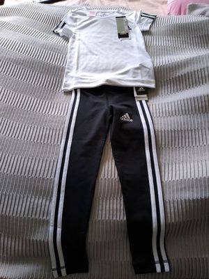 Adidas complete 5/6 years old New for girl. for Sale in Jamaica, NY