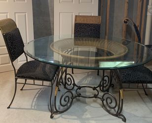Glass Kitchen Table With 4 Chairs for Sale in St. Peters,  MO