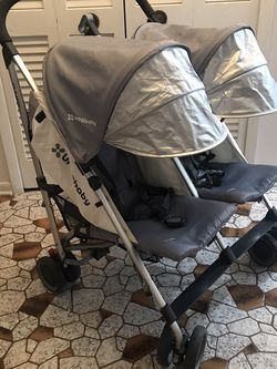 Uppababy Glink Double Twin Stroller for Sale in Cleveland,  OH