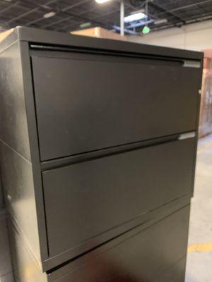 """Meridian 30"""" wide 2-drawer filing cabinet for Sale in Denver, CO"""