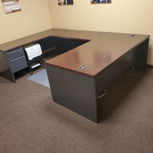 Office Desk for Sale in Haines City, FL