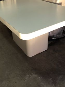 Free Table And Chairs for Sale in West Bloomfield Township,  MI