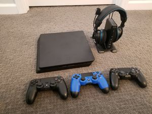 PS4 slim 500gb + 3 controllers + 10 games + Turtle Beach PX51 headset for Sale in Knoxville, TN