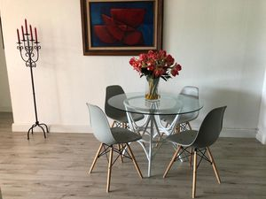 IKEA Dining room table w/4 chairs excellent condition for Sale in Hialeah, FL