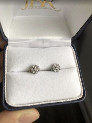 Robinson Jewelry Diamond Stud earrings for Sale in Des Plaines, IL
