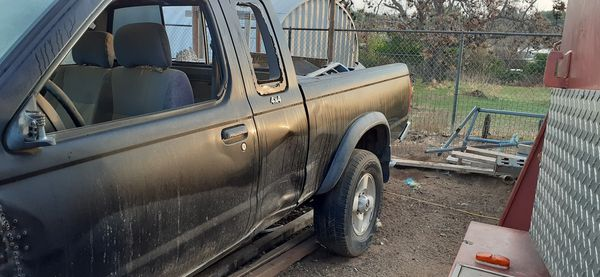 ***4X4 Nissan Frontier***1998 manual transmission