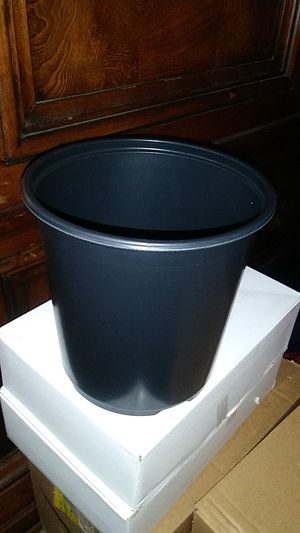 Lot 100pcs 1 gallon plant plastic pot for Sale in Richmond, CA