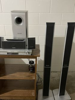 Panasonic 5 Speaker Home Theater $75 Or Best Offer for Sale in Belle Isle,  FL