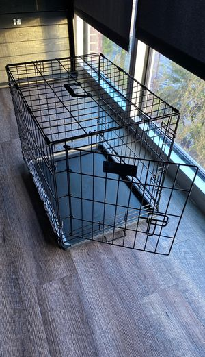 24 inch folding crate (24L 18W 19W). 3 months old. Used for puppy training for Sale in Houston, TX