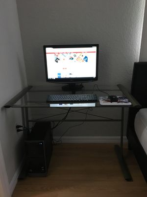 ALL(Computer/Monitor/keyboard/mouse/glassdesk) for Sale in Venice, FL
