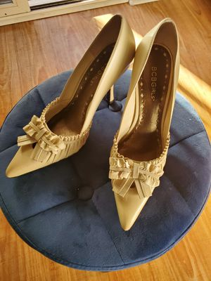 Bcbg girls nude size 8 heels new for Sale in West Covina, CA