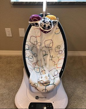 4 Moms Mamaroo Bluetooth Enabled Baby Swing for Sale in Thornton, CO