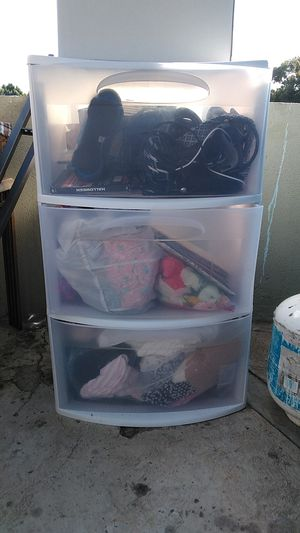 Plastic container 3 drawers for Sale in Los Angeles, CA